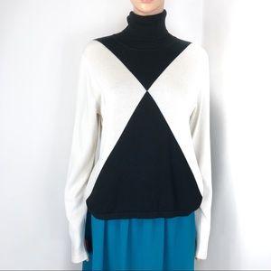MICHAEL Michael Kors Sweaters - Michael Kors Cream & Black Size XL Sweater